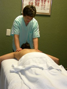massage-treatment-in-sessio